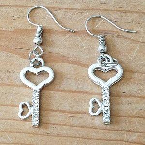 Jewelry - Key to my heart earrings